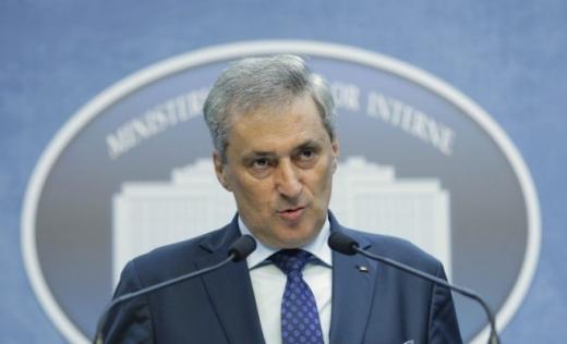 Minstrul Vela, în autoizolare, după ce a avut contact cu prefectul Clujului, confirmat cu COVID-19