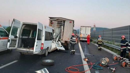 Sfârșit tragic pe Autostrada Lugoj-Deva. Mama a trei copiii a murit pe loc