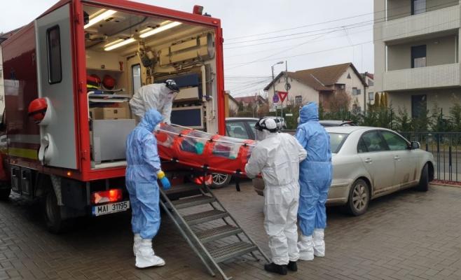 RECORD NEGATIV al numărului de infectări noi raportate într-o zi: aproape 700 de cazuri noi