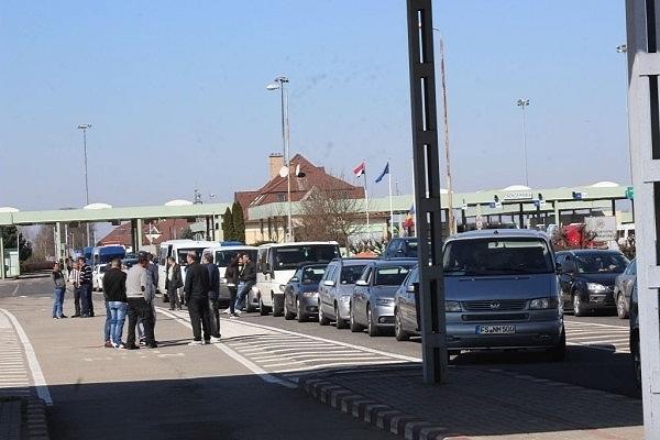 Korlátozások lépnek érvénybe Magyarországon a román állampolgárok számára. Románia a sárga zónába tartozik