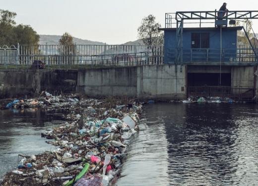 Clujenii se mobilizează și ies pe teren. Acțiune de colectare a deșeurilor pe malul Someșului