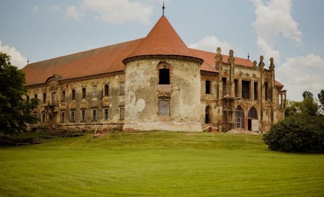 Castelul Bánffy va fi renovat în urma unei donații de 100.000 de euro