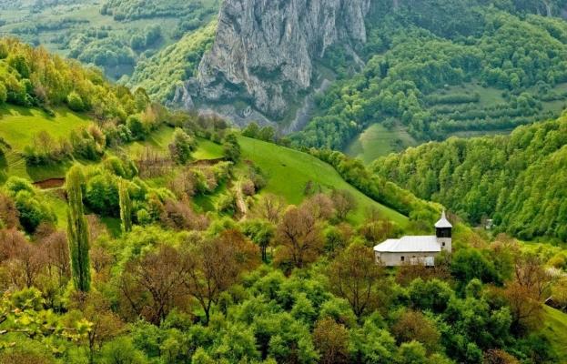 Unde poți merge în weekend? 10 locuri mai puțin explorate din Cluj, care te feresc de aglomerație!