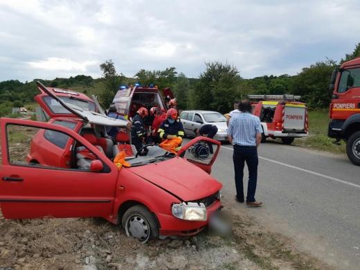 Accident pe drumul dintre Dej și Jibou. O femeie, transporată la spital