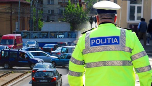 Polițiștii clujeni au împărțit amenzi persoanelor care nu purtau mască de protecție în autobuze