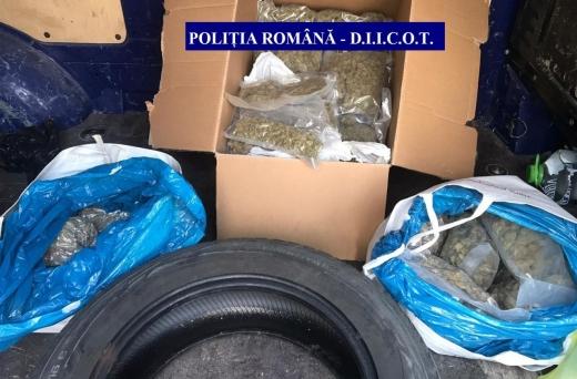 Captură uriașă de droguri! 7 persoane reținute de polițiștii clujeni