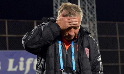 Tensiuni uriașe la CFR Cluj înaintea jocului cu FCSB. Un antrenor surpriză ar putea să vină în locul lui Petrescu