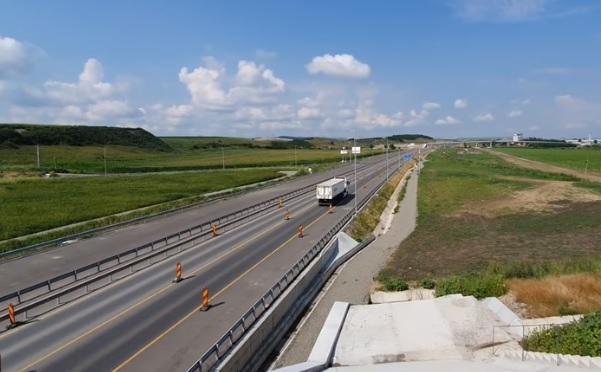 """Ultimele finisaje pe Autostrada Transilvania. Gata de inaugurare, șoseaua ar putea deveni """"muzeu"""""""