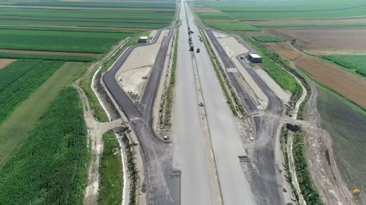 Cine îi mai crede? Constructorii de autostrăzi vor să angajeze sute de mii de muncitori