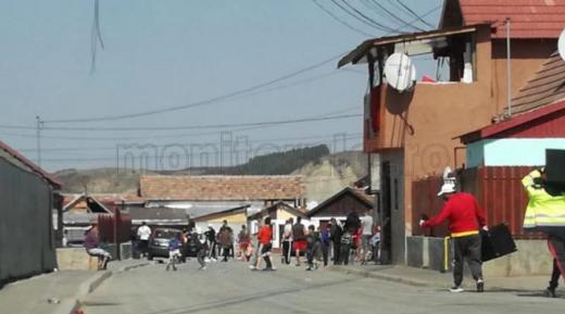 Focar de CORONAVIRUS în colonia de romi din Turda! Mai multe persoane, infectate cu noul COVID-19