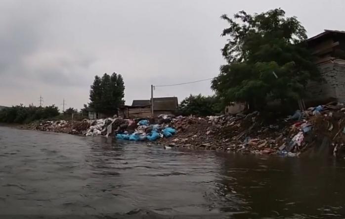 "Someșul navigabil… un slalom printre gunoaie? Voluntarii au ""scanat"" gunoaiele de pe râu, foto: observatornews.ro"