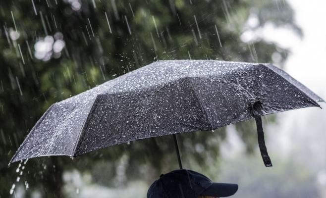 ANM a emis COD GALBEN de ploi, în aproape toată țara. Până când e valabil