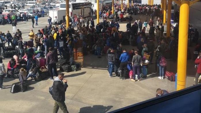 Zeci de suceveni au fugit pe câmpuri în luna aprilie pentru a ajunge la Cluj în vederea plecării în Germania în stare de urgență