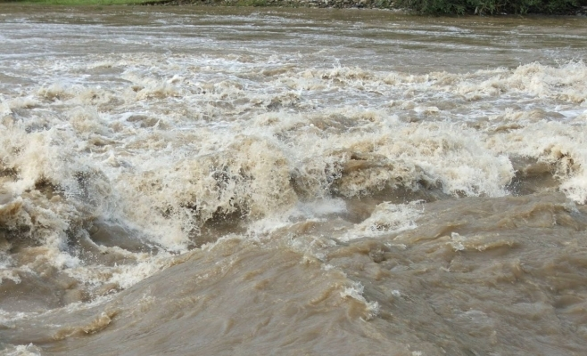 COD PORTOCALIU de inundații pe trei râuri din Cluj