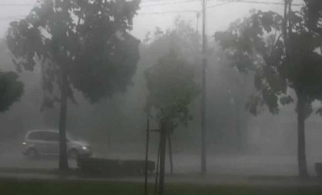 Ploi, vijelii și grindină, în cea mai mare parte a țării, până sâmbătă