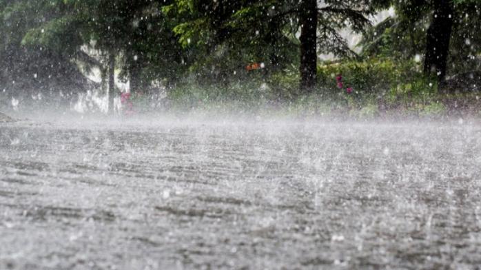 Clujul intră în cod galben de ploi și vijelii în următoarele ore