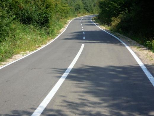 Consiliul Județean SUPLIMENTEAZĂ lista drumurilor în reabilitare. În ce zone se vor face lucrări?