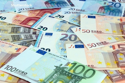 CURS VALUTAR. Euro revine spre 4,84 lei