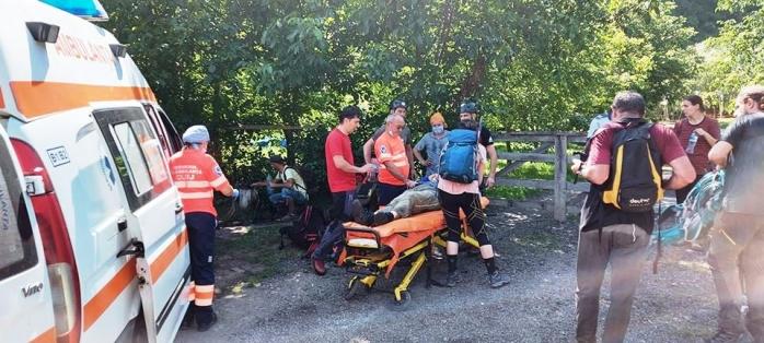 Salvamontiștii clujeni, misiune dificilă în Cheile Turenilor. Un bărbat căzut de la înălțime a fost rănit grav