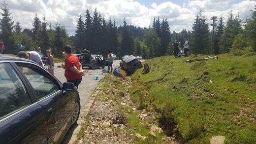 Accident cu 5 VICTIME pe un drum din Cluj. A intervenit un elicopter SMURD