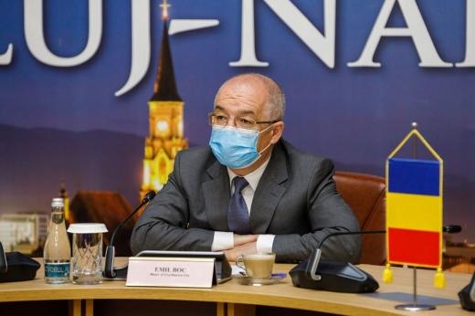 """Emil Boc, despre rivalitatea dintre CFR și """"U"""": """"Există loc pentru toată lumea!"""" ELOGII pentru Dan Petrescu: """"Omul ăsta a făcut atât de multe pentru Cluj!"""""""