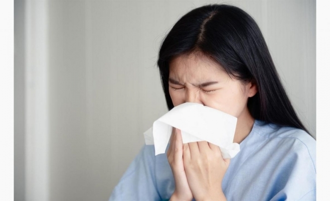 STUDIU. Pacienții asimptomaticii au aceeași cantitate de virus ca cei cu simptome