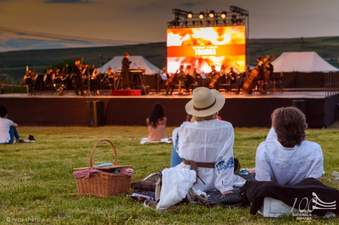 Opera revine în aer liber la Cluj