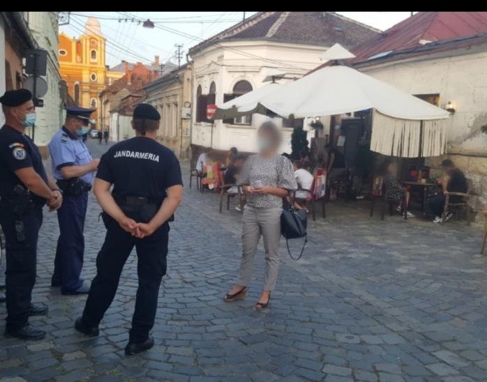 Razie pe terasele din Cluj! Au fost date ZECI de amenzi