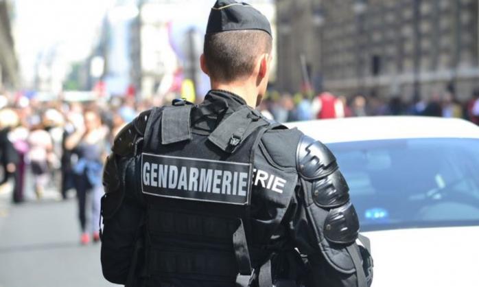 Guvernul francez scoate poliția și jandarmeria în stradă pentru a impune purtarea măștii de protecție