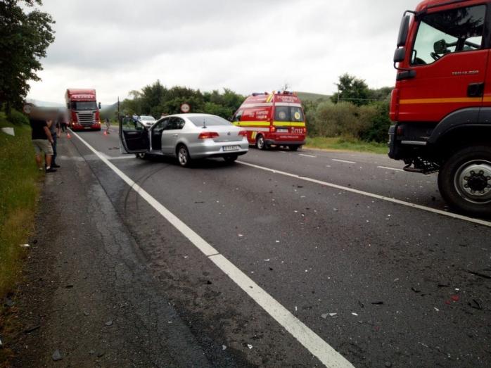 FOTO Mai multe persoane au fost implicate într-un accident rutier