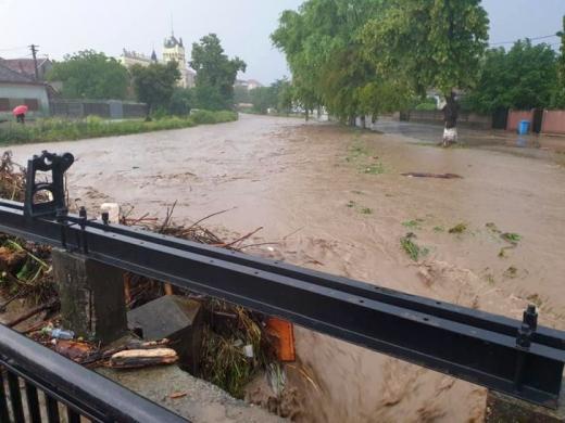 Alertă COD PORTOCALIU de inundații la Cluj, după furtună