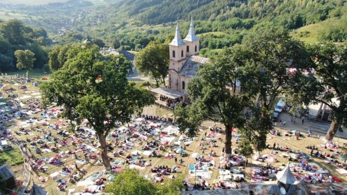 Bilanț după hramul Mănăstirii Nicula: 7.000 de participanți, 33 de persoane asistate medical și zeci de amenzi