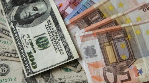 Curs valutar. Dolarul se apropie de valoarea din ianuarie 2019