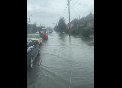Clujul a devenit Veneția Transilvaniei, după ploile de astăzi - VIDEO
