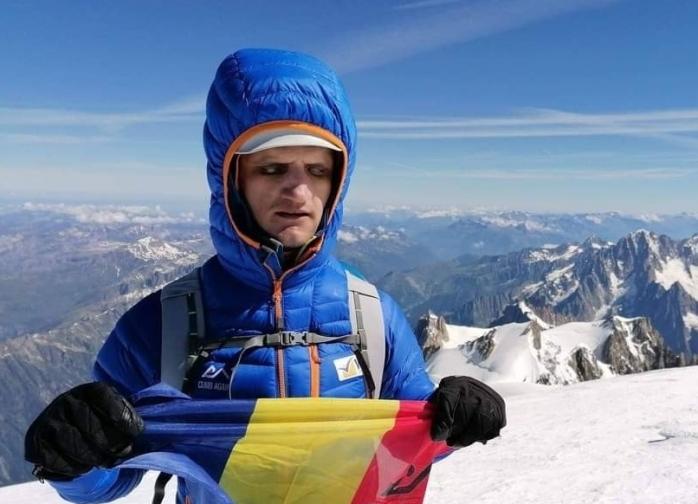 Alex Benchea, alpinistul cu ochii albi. La doar 21 de ani, a cucerit Mont Blanc și Kilimanjaro!