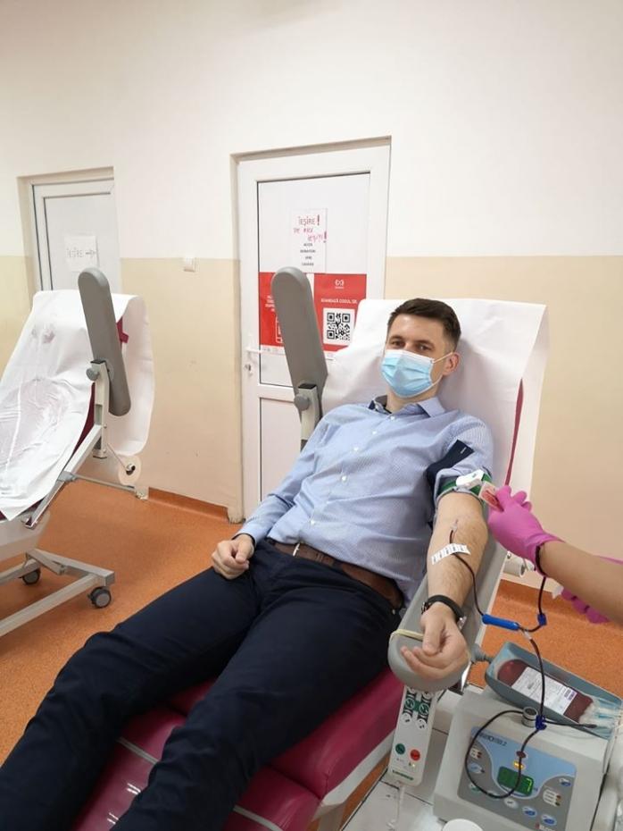 Mircea Abrudean, prefectul Clujului, a donat plasmă