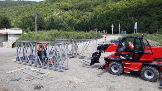 Pod metalic provizoriu spre Valea Drăganului
