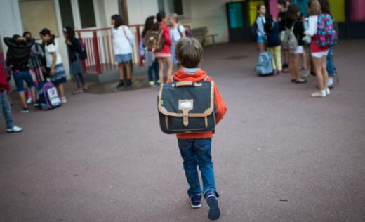 """Declarația pe proprie răspundere cerută părinților, """"un caz clar în care autoritățile s-au deresponsabilizat"""""""