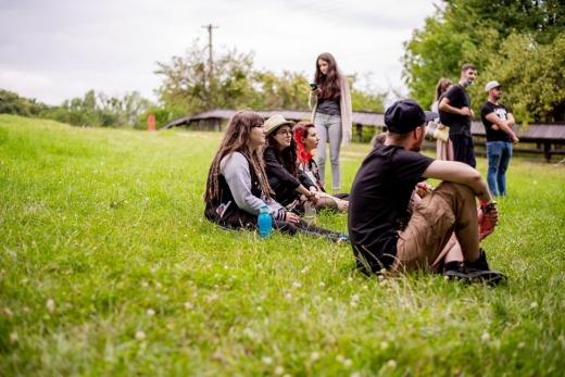 Poethree Collective, tinerii clujeni care doresc să schimbe societatea prin arta poeziei