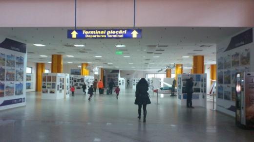 Scădere cu 61% a traficului de pasageri, pe aeroporturile din România, în 2020