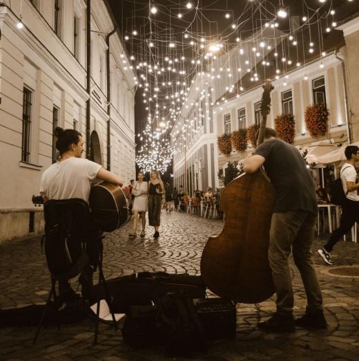 Muzica răsună iar pe străzile clujene