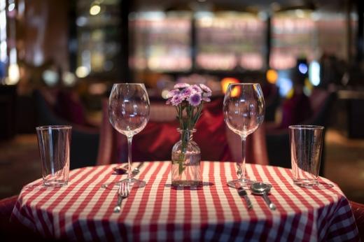 Arafat: Pandemia nu a trecut! Ce spune secretarul de stat în legătură cu restaurantele?