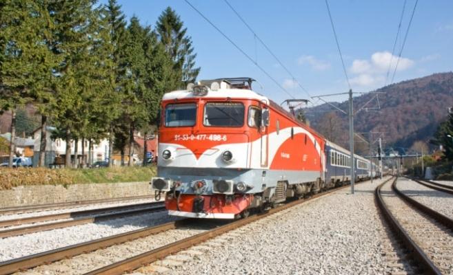 CFR reintroduce trenurile pentru elevii care fac naveta