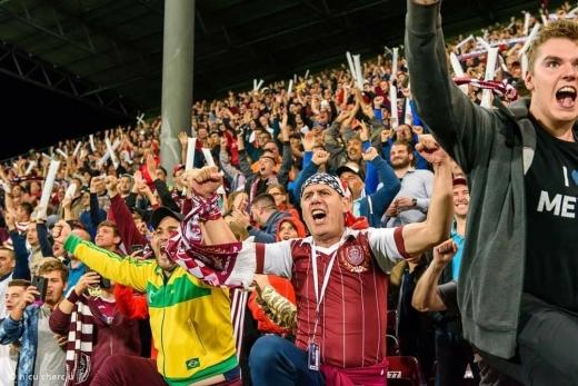 Fanii s-au săturat de restricţii şi vor pe stadion. Galeria CFR se adresează Guvernului Orban