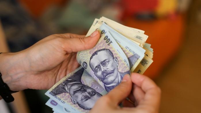 Scăderi drastice ale salariilor în ultimele cinci luni