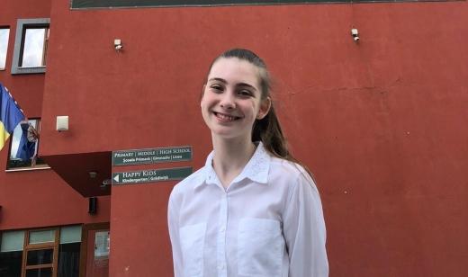 """O altfel de educație la Cluj. Beatrice, invitată în """"trenul"""" educației internaționale Cambridge de Transylvania College"""