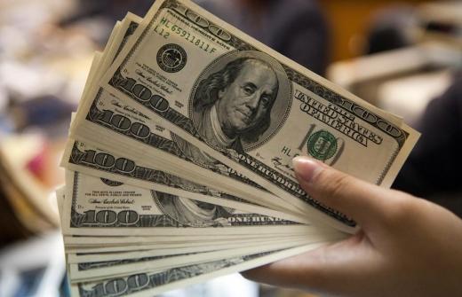 Curs Valutar. Cursul dolarului a revenit la valori din octombrie 2019