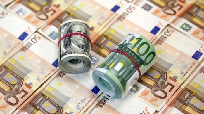 CURS VALUTAR. Cotațiile euro au urcat la aproape 4,85 lei