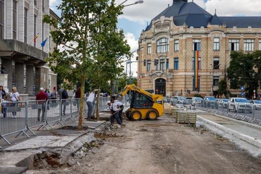 Granitul adus din China întârzie modernizarea din Piața Lucian Blaga. Când vor fi gata lucrările?