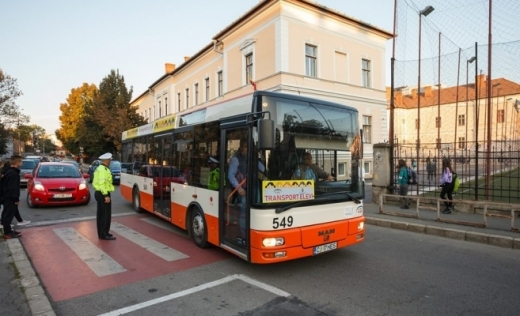 Noi trasee de transport pentru elevi, din 14 septembrie